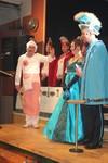 Der Prinz hält seine Rede. Angekündigt von unserem Karnevalspräsident als Chocolatier verkleidet